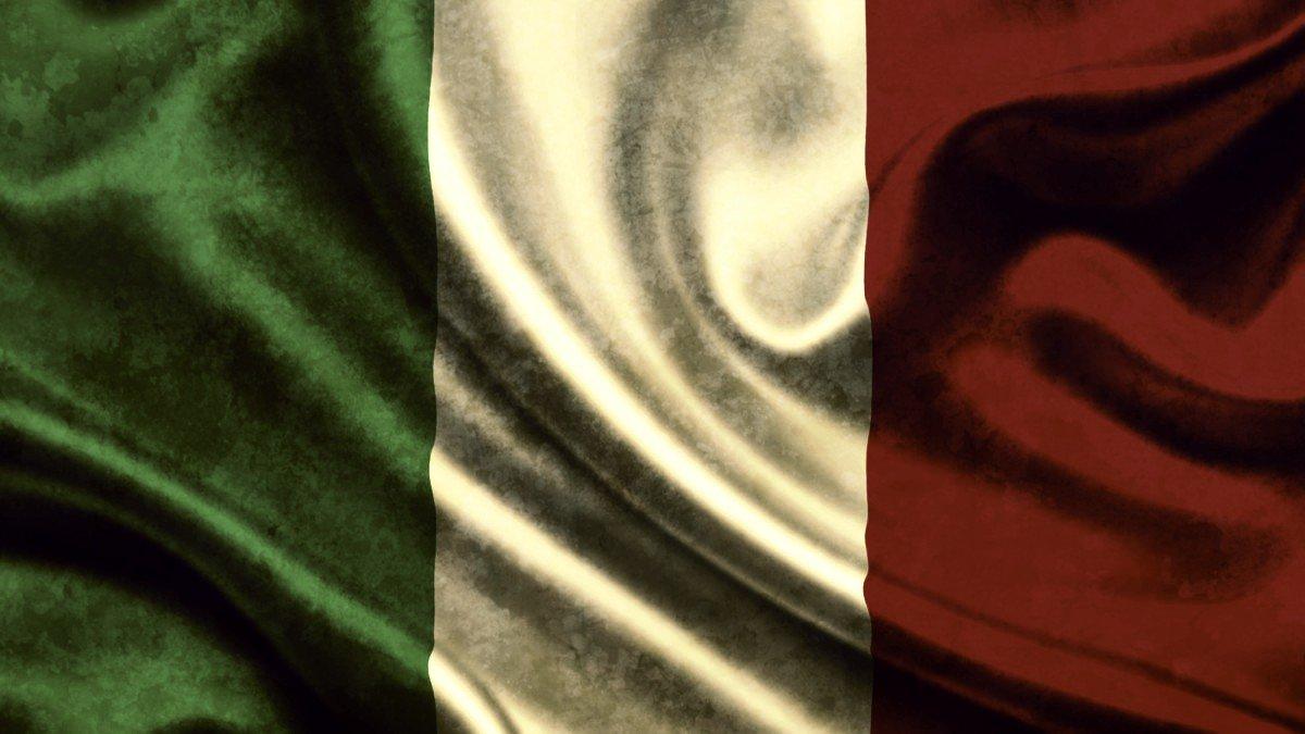 Risultati immagini per tricolore nel fango