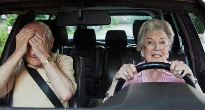 Anziani al volante